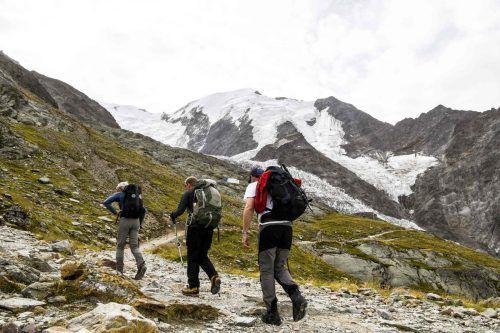 214 Bergsteiger sollen täglich von französischer Seite auf den Montblanc kommen. AFP