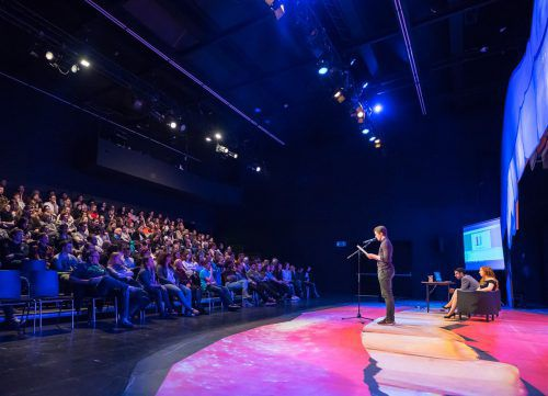 Am Sonntag, 30. September, findet um 18 Uhr im Theater Kosmos der vierte U20-Poetry-Slam statt. Ch. Hirschmann