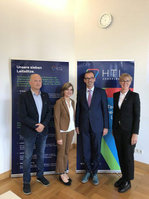 Andreas Staudacher (WK), Barbara Schöbi-Fink, Christoph Hinteregger und Claudia Vögel (v.l.) bei der Vorstellung der HTL-Strategie. VN/Hämmerle