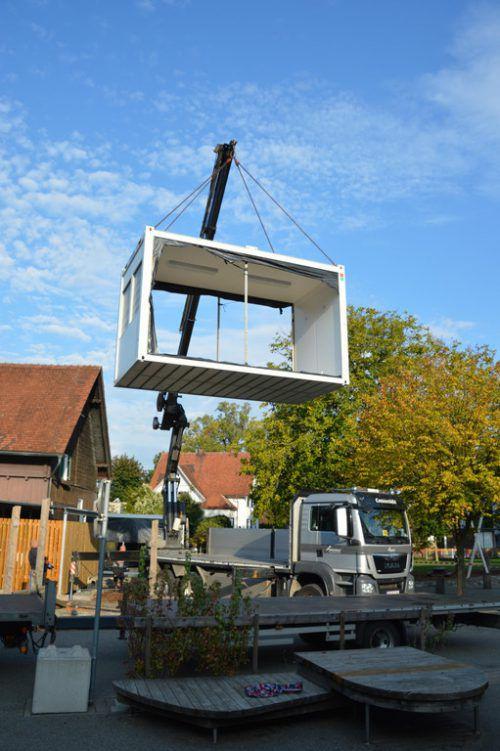 Anfang der Woche wurden Container, die als Bewegungsräume genutzt werden, angeliefert. CEG