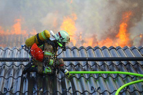 Atemschutzgeräte stellen für die Feuerwehrleute eine unverzichtbare Ausrüstung bei ihren Einsätzen dar. VN/HB