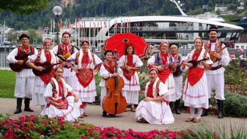 Auch der kroatische Musikverein Tamburica Vorarlberg spielt am Samstag auf. lutz