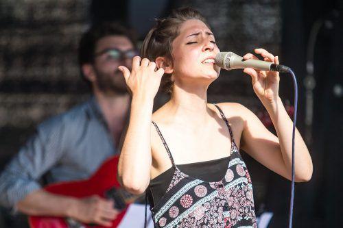 Auch Sängerin Veronika Morscher tritt zum Jubiläum in der Remise auf. VN/PS
