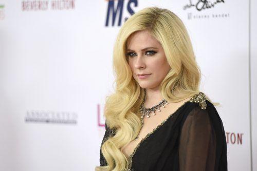 Avril Lavigne spricht offen über ihre Krankheit.Ap