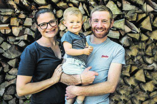 Die Familie Caprice und Stefan Innauer aus Eichenberg geht die Landwirtschaft mit Engagement und Innovation an – vorbildlich.FA/IHE