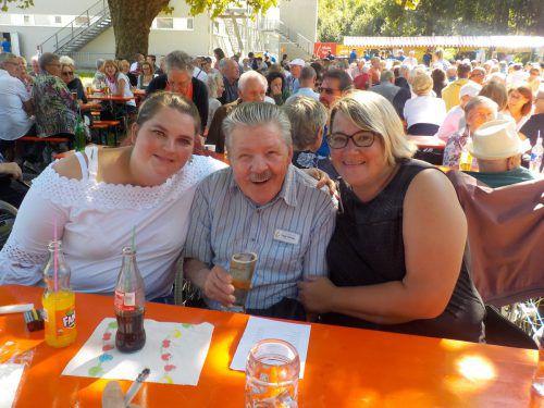 Bei spätsommerlichen Temperaturen machten sich Raphaela Amann, Walter Vogt und Conny Nachbaur auf zum Reichenfeldfest.Haus Schillerstraße
