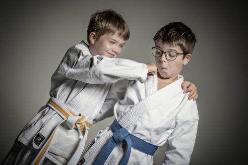 """Bei """"Starke Kids"""" lernen Kinder zwischen fünf und zehn Jahren spielerisch Karate kennen und bekommen Freude an gesunder Bewegung.Karate Bregenz"""