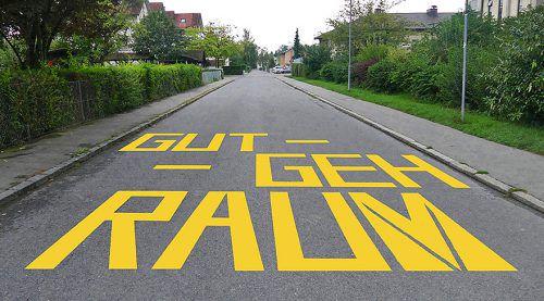 """Beim """"Gut-Geh-Raum"""" ist die Zufahrtsstraße an Schultagen bis 17 Uhr gesperrt."""