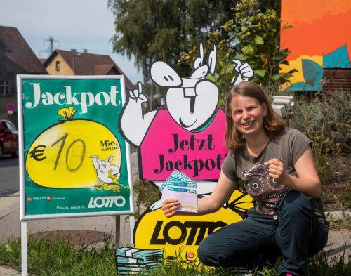 Beim zweiten Sechsfachjackpot der Geschichte geht es um rund zehn Millionen Euro. Auch Lisa hofft auf das große Glück. VN/Paulitsch