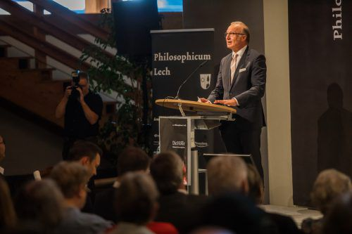 Bgm. Ludwig Muxel erhielt das Silberne Ehrenzeichen des Landes. VN/PS