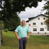 Gemeinde Langen kauft den Adler