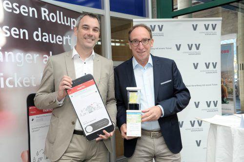 Christian Hillbrand und LR Johannes Rauch stellten die neue Fahrkarten-App vor. VLK