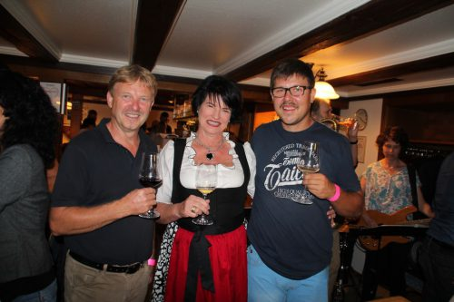 Christine Tauber mit Tourismus-Obmann Lothar Lenz mit Sohn Patrick.
