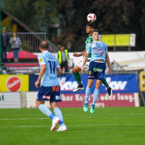 Dank einem Doppelpack von Maximilian Entrup (im Duell gegen William) drehte der SV Lafnitz die Partie im Planet Pure Stadion und siegte am Ende mit 3:1.Gepa