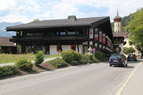 """Das """"Haus des Gastes"""" in Schruns soll bis zum Abriss kurzzeitig belebt werden. STR"""