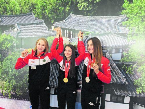Das Trio Verena Zaisberger, Sheileen Waibel und Rebecca Köck (v. l.) sicherte sich bei der Schützen-WM in Südkorea die höchste Auszeichnung im Kleinkaliber-Liegend-Teambewerb.Schützenbund