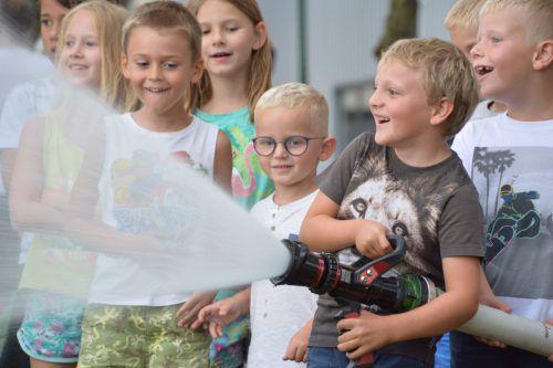 Der Besuch bei der Feuerwehr war ein Highlight für die Altacher Kinder. Gemeinde