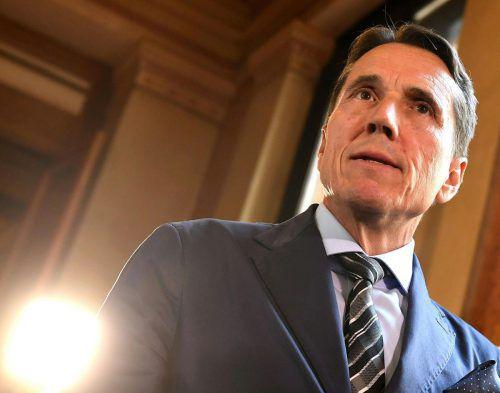 Der frühere Vorarlberger FPÖ-Chef Bösch fühlt sich missverstanden. Für das Bundesheer kündigt er eine Budgeterhöhung an.APA
