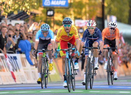 Der Spanier Alejandro Valverde setzte sich im Zielsprint vor Romain Bardet und Michel Woods durch.APA