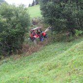 Mit Traktor überschlagen: Holzarbeiter schwer verletzt