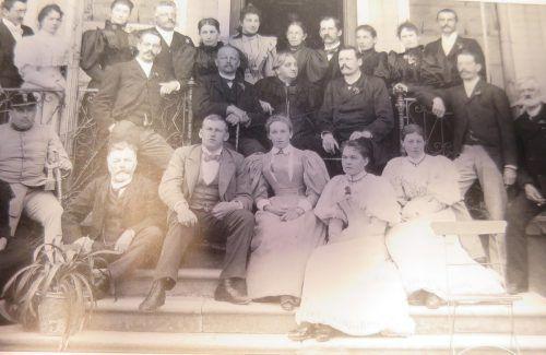Die Familienfeier von Herrburger & Rhomberg 1895 im Hotel Reutemann in Lindau zum 100. Geburtstag der Firma. Stadtarchiv