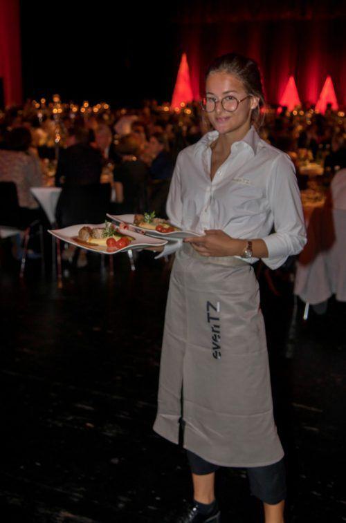 Die Gäste wurden vom Cateringteam mit einem dreigängigen Menü verwöhnt.