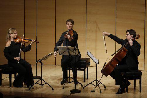 Die Geigerin Julia Fischer mit Nils Mönkemeyer und Daniel Müller-Schott im Angelika-Kauffmann-Saal in Schwarzenberg. Schubertiade