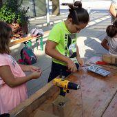 Handwerkliches Arbeiten als bleibende Erfahrung für Kinder