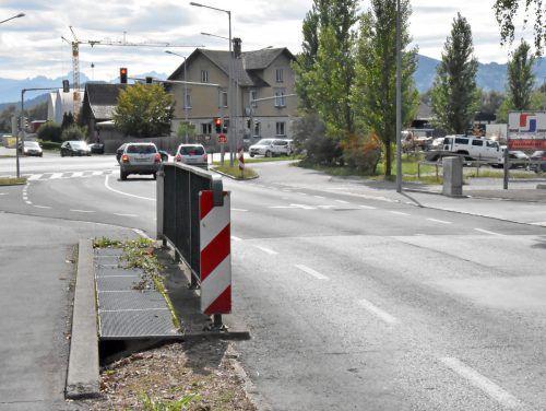 Die Kreuzung beim Neuen Rhein in Hard ist ab Oktober gesperrt. ajk