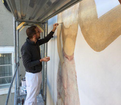 Die Kunstmalerei an der Fassade des künftigen Stadthotels wurde fachgerecht restauriert. Preite