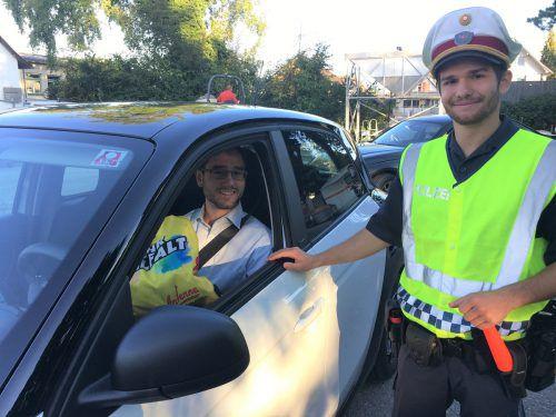 Die Polizei Dornbirn unterstützt die Langsamfahr-Aktion vor Schulen. Antenne