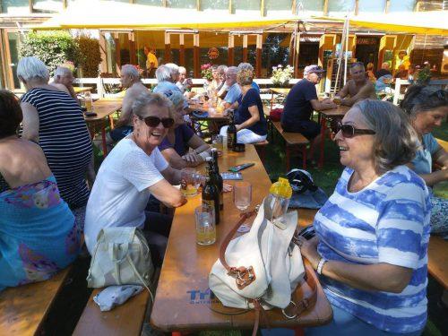 Die vierte Ausfahrt führe die Teilnehmer nach Lindau, wo sie sich eine wohlverdiente Erfrischung genehmigten, bevor sie wieder zurück nach Hause fuhren.sb 50+