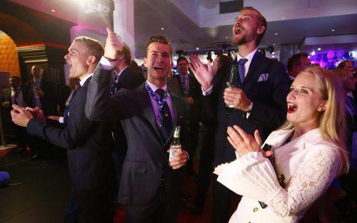 Die Schwedendemokraten jubelten bei Bekanntgabe der Wahlprognose. reuters