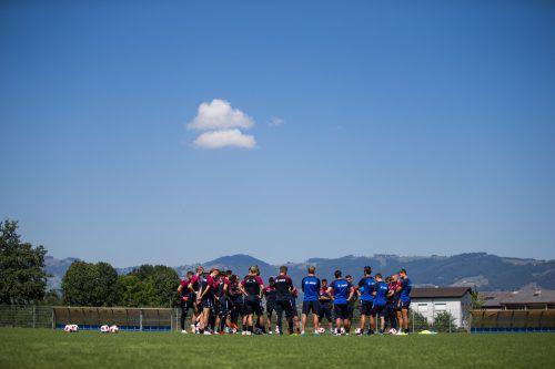 Die Schweizer haben ihren Rütlischwur, Altachs Kicker haben sich im Training auf Wolfsberg eingeschworen. Der erste Saisonsieg ist jetzt schon fast Pflicht.steurer