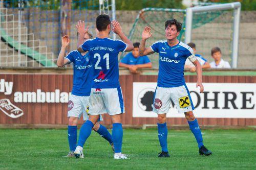 Die Spieler von Landesliga-Tabellenführer FC Lustenau wollen auch in Spitzenspiel in Bezau jubeln.vn-stiplovsek