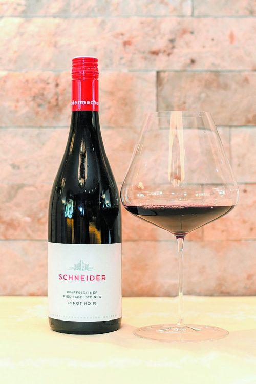 Ein gehaltvoller Wein mit viel Finesse in dunklem Rubin.VN/Oliver Lerch