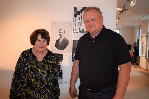 Mutter und Sohn: Ausstellungskuratorin Lieselotte Hammerer und Museumsleiter Andreas Hammerer. ME
