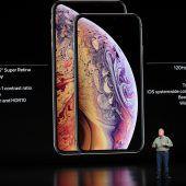 Apple mit neuen großen iPhones. D1