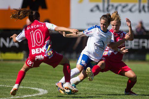 Für die Spielerinnen des FFC Vorderland gab es kaum einmal ein Durchkommen.steurer