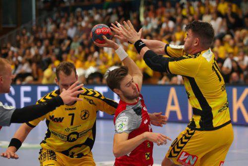 Im 89. Revierduell zwischen Bregenz Handball und dem Alpla HC Hard feierten die Roten Teufel mit dem 25:23-Erfolg ihren 15. Auswärtssieg und 33. Triumph in der ewigen Derbybilanz.Hartinger
