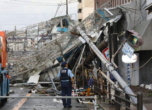 """In der Provinz Osaka verwüstete der Sturm """"Jebi"""" ganze Straßenzüge. AFP"""