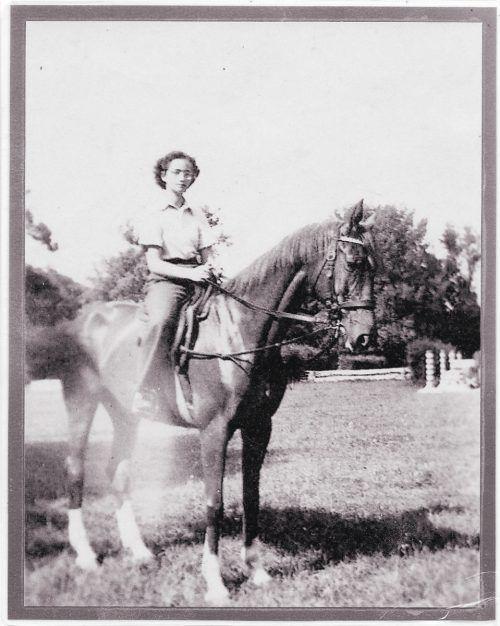 In ihrer Jugend war Inge eine begeisterte Reiterin.  privat/kl