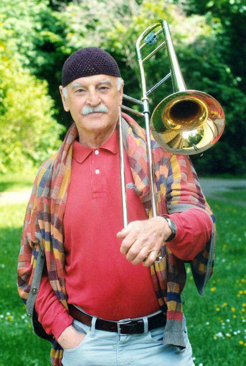 Jazzmusiker Erich Kleinschuster ist im Alter von 88 Jahren gestorben. JU