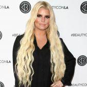 Jessica Simpson löst Debatte über gefärbte Haare ihrer Tochter aus