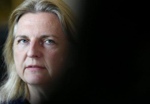 Karin Kneissl sagt inhaftiertem Österreicher ihre Unterstützung zu. apa