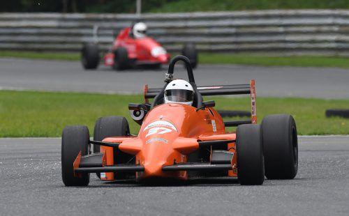 Dieter Schwarz fuhr mit seinem Formel Lotus Opel beim Histo Cup am Pannoniaring in Ungarn vorneweg.sd