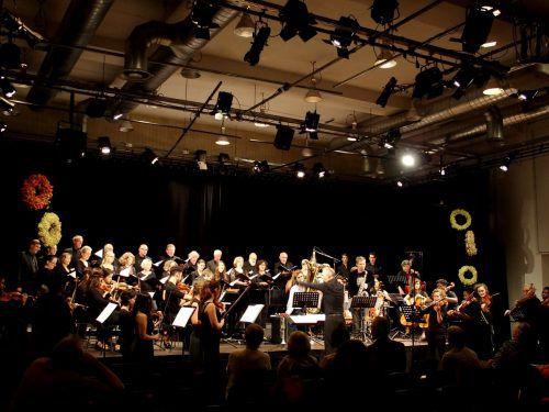 """Krönender Abschluss mit der Uraufführung von David Helbocks Auftragswerk """"No borders!"""" im Pförtnerhaus. JU"""