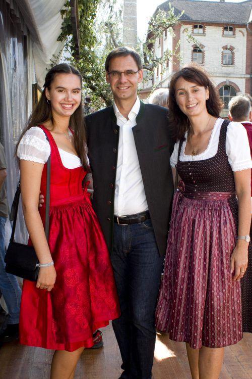 LH Markus Wallner mit Tochter Raphaela und Gattin Sonja.