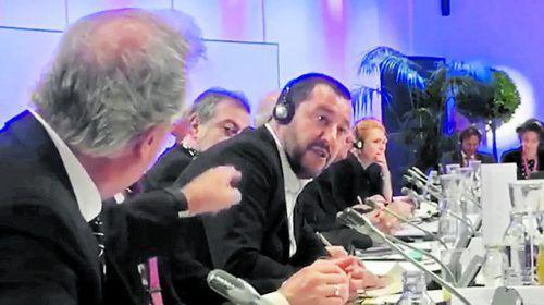 "Luxemburgs Innenminister Jean Asselborn (l.) verliert gegenüber Italiens Innenminister Matteo Salvini die Contenance: ""Merde alors!"""