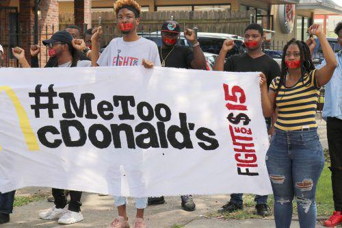 McDonald's-Angestellte wehren sich gegen sexuelle Belästigung am Arbeitsplatz. AP